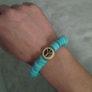 NWOT Turquoise & Peace Sign Bracelet